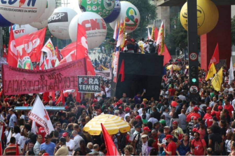 Com povo na rua, Congresso recua e suspende reforma da Previdência