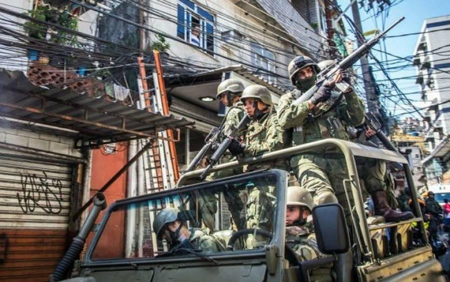 Intervenção no Rio: moradores das favelas são os que mais sofrerão